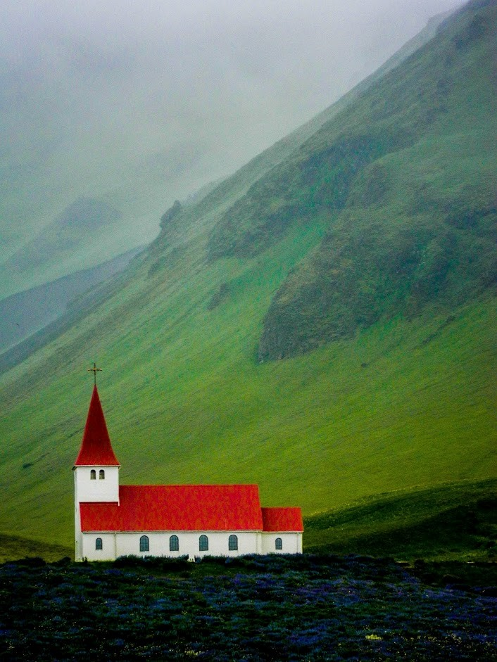 Image of quaint church in Iceland